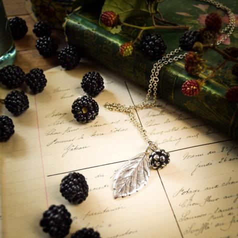 Blackberry pendant aug (1 of 1)